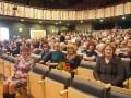 """Vidzemes koncertzālē """"Cēsis"""" Draudzīgā aicinājuma fonds apbalvoja Priekules vidusskolas dabazsinību skolotājus par teicamiem sasniegumiem dabaszinību mācīšanā 16.11.2016."""